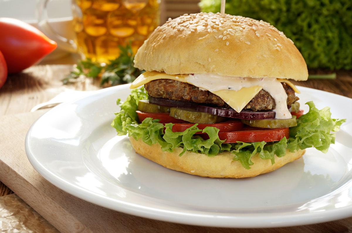 zdjecie kulinarne jak wyglada hamburger