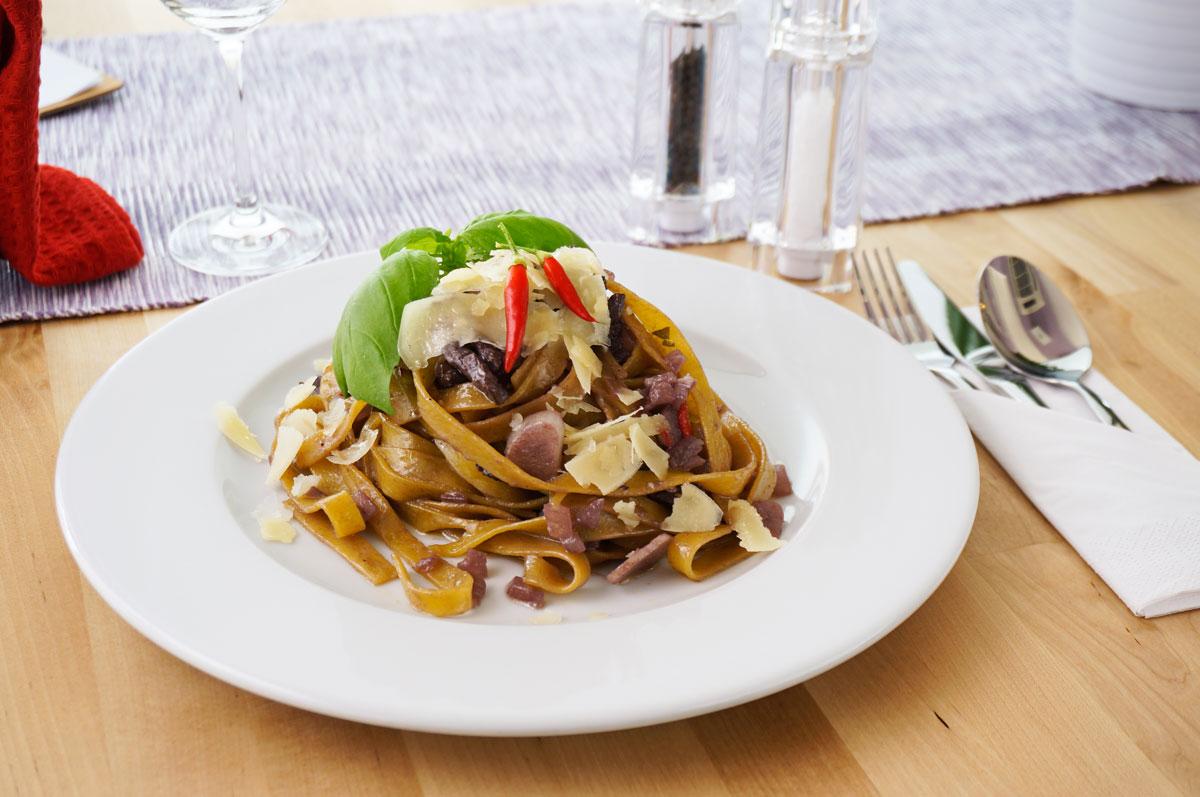 fotografia kulinarna makaron dla restauracji Magiel Kulinarny